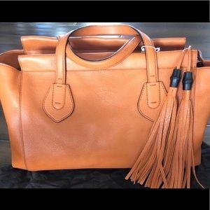 Gucci (like new) leather handbag